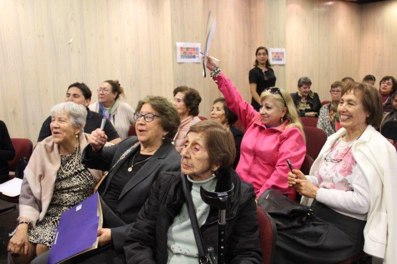 Personas mayores participaron en capacitación para prevenir el deterioro en su salud